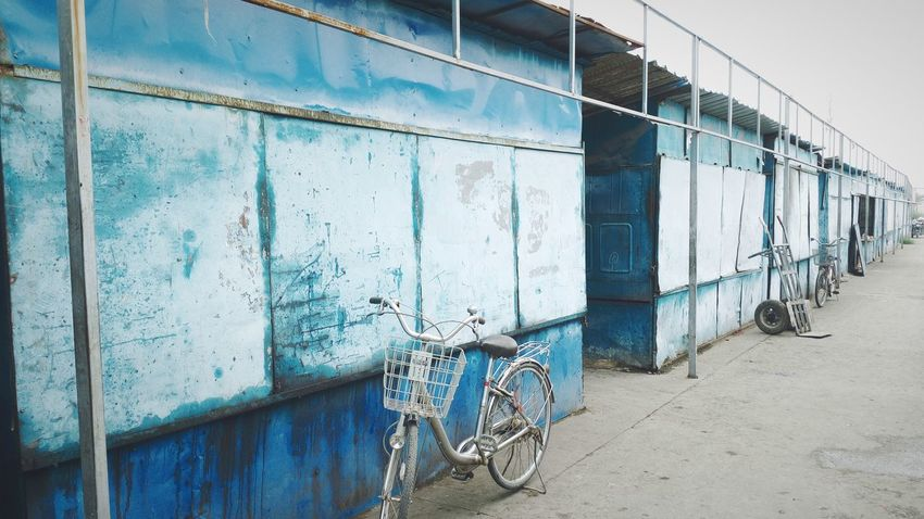 中国 China Shandong Province Jinan Market House Blue Bike Nobody Alone Quite Color Palette The Secret Spaces The Street Photographer - 2017 EyeEm Awards