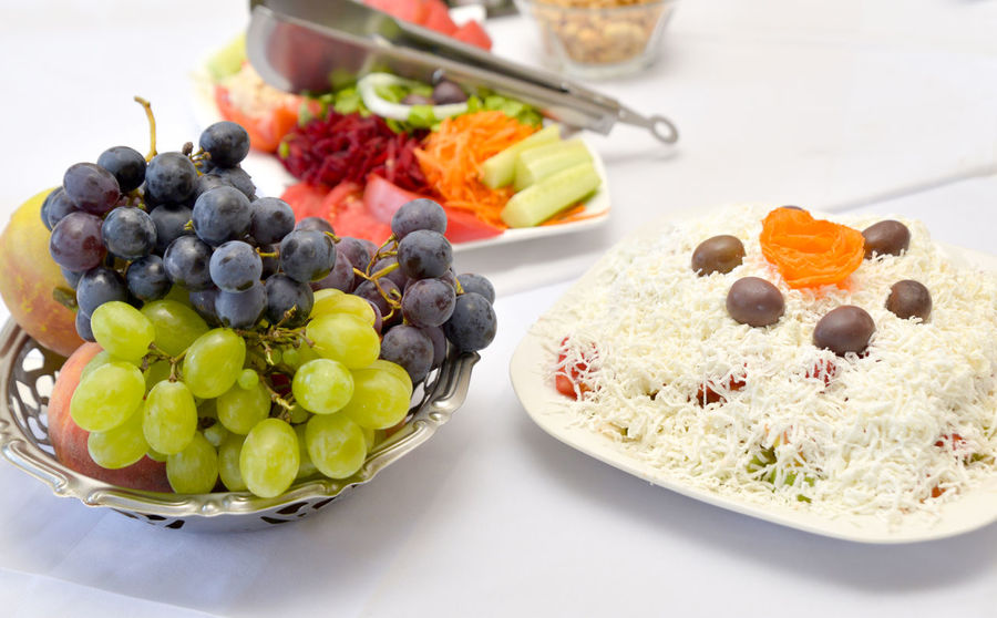 Salad Cheese Close-up Day Food Food And Drink Freshness Fruit Grape Healthy Eating Indoors  No People Olives Plate Ready-to-eat Red Grape Restaurant Ripe Vegetable Vegetable Salad White Grapes