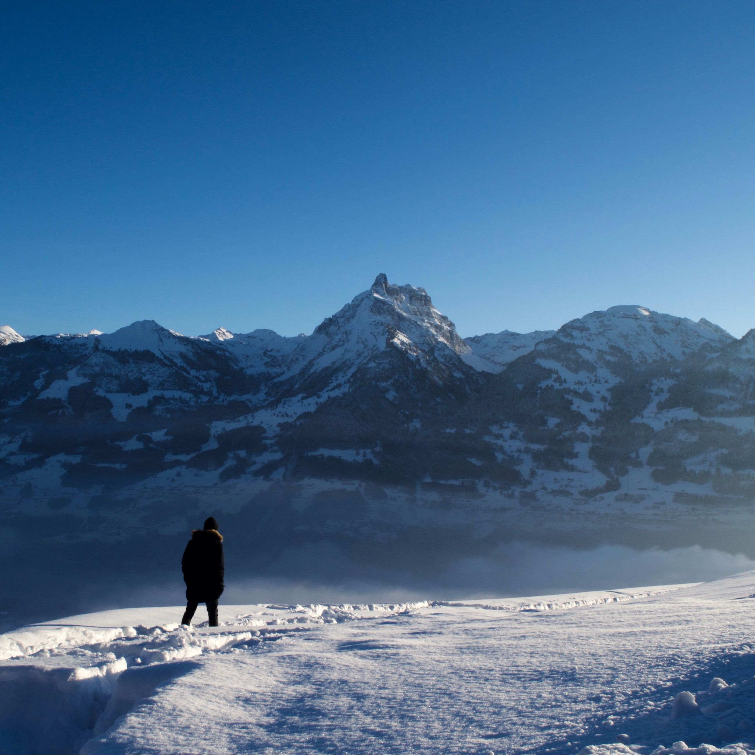 snow, winter, cold temperature, mountain, season, mountain range, clear sky, tranquil scene, scenics, tranquility, beauty in nature, snowcapped mountain, weather, copy space, nature, full length, leisure activity, landscape