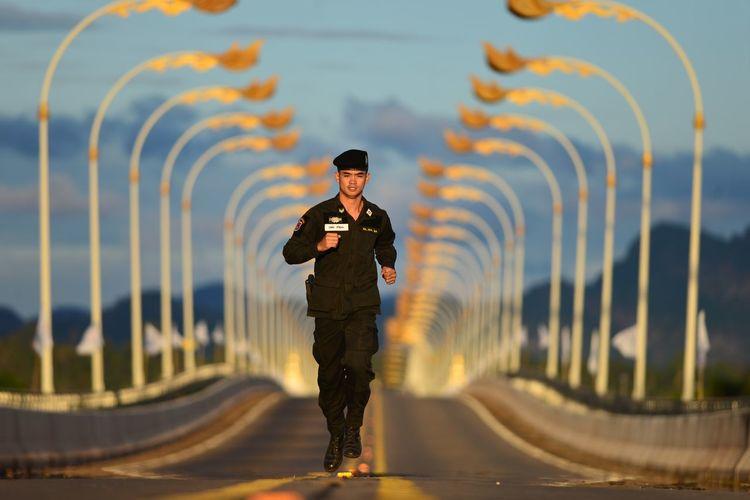 Nakron Phanom Marathon Thailand , Thailand Laos border , friendship bridge Real People Nakron Phanom Running Water Marathon Marathonrunner Marathon Thailand Running Kids Running Soldier Soldier Marathoner Capture Tomorrow