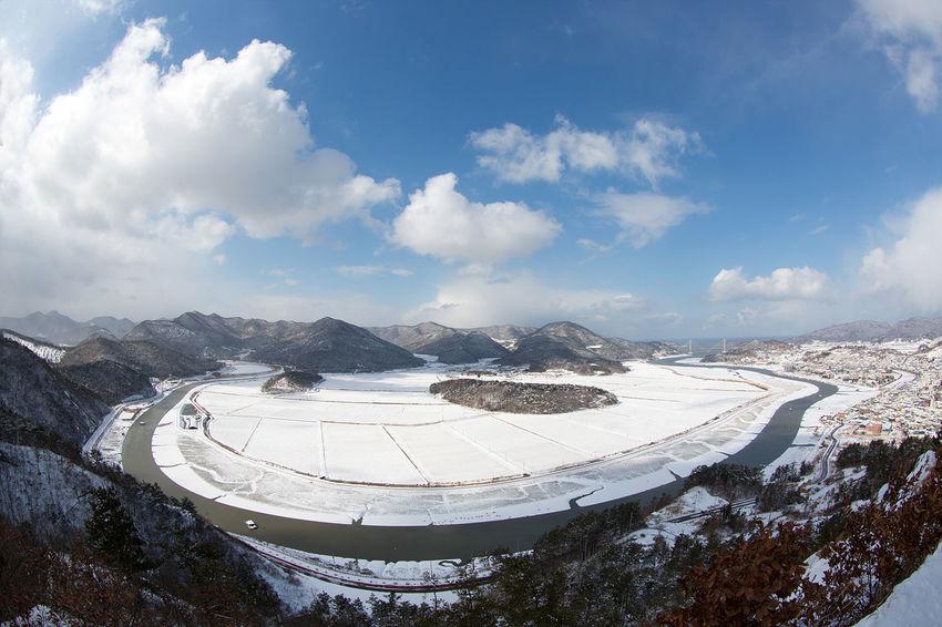 아름다운 우리나라 Korea Youngkwang Snow Wind Shades of Winter EyeEmNewHere Business Finance And Industry Cloud - Sky Sky No People Day Outdoors Astronomy