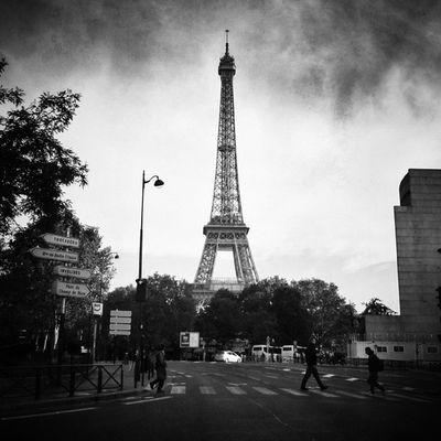 #toureiffel #birhakeim #Paris Street_bw Bnw_globe Bws_worldwide Bnw_guru Bwmasters Insta_bwgramers Rebel_bnw Bw_france Insta_bw Bnw_one Bw_crew Gi_bnw Toureiffel Bws_eu Igersfrance Birhakeim Igersparis Pic_friends Bw_shotz Bnw_wonderful Blacknwhite_perfection Bnw_demand Bnw_universe Paris Photowonderful_bw Streetphotography_bw Cs_mono
