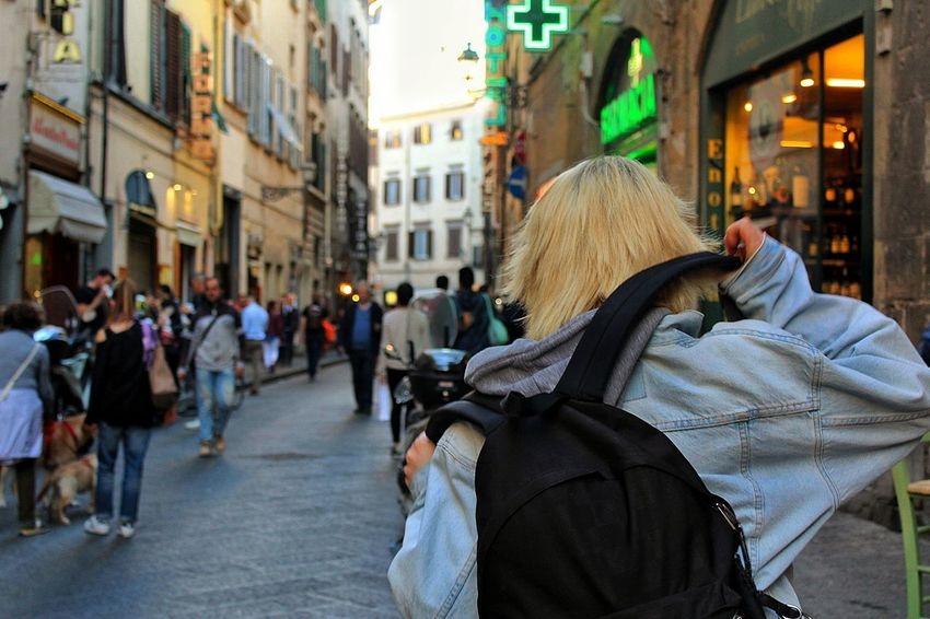 My sister in Florence. How i could not love her ? Sister Street City Women People City LifeArchitecture Day Beautiful View EyEmNewHere Myworld Loveit Mylife Sun Florence Cityscape Myplace Jean Jacket Landscape J•Gabri-zet