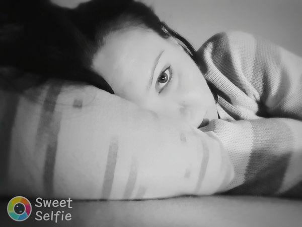 Selfie Portrait Bedtime Bedroom Selfieoftheday Relaxing Selfieitalia EyeemSelfie Eyeemblack&white Sweetcandy Sweetselfiespot Sweetselfie