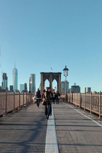 People City Bridges Of The World Lost In The Landscape Brooklyn Bridge / New York Fashion People In The Streets