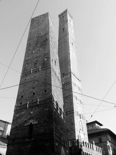 La torre di Pisa è una dilettante Bologna Bologna, Italy Bologna_city Towers
