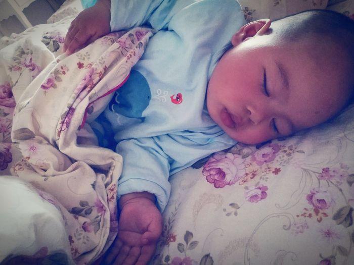 睡着了最帅 Sleeping One Man Only Happiness Enjoyment Childhood Family