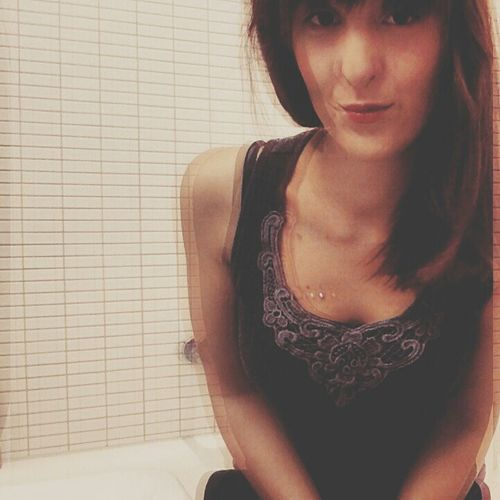 Bathroom Selfie Self Portrait Selfie That's Me People Casual Day Lazy Day Shooting EyeEm Best Shots Faces Of Sue Ann