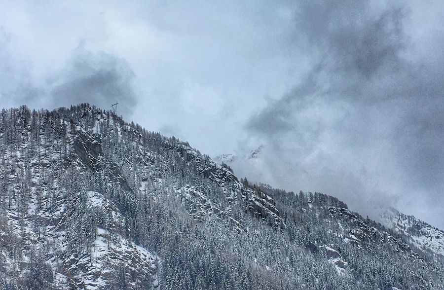 Mountain Snow Nature Tranquility Sky Scenics Beauty In Nature Physical Geography Outdoors Landscape