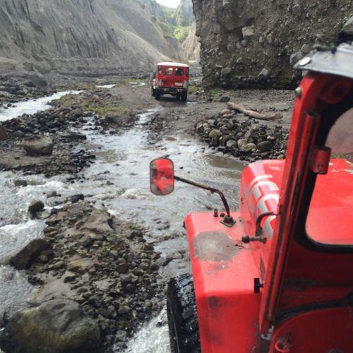 4x4 Mt.Pinatubo Enjoying Life Philippines
