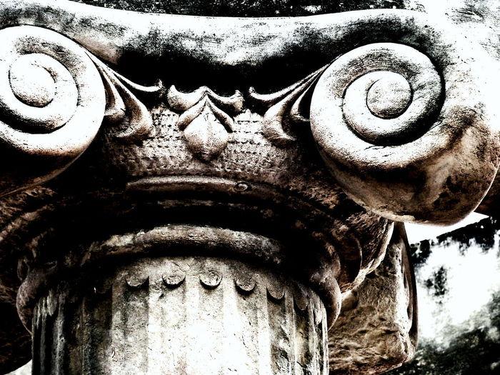 Ambientazione Esterna Architecture Capitello Capitello Con Volute Colonna Scanalata Column Elementi Architettonici Giardini Naxos Monumento No People Outdoors Passeggiata A Mare Sculpture Sicilia