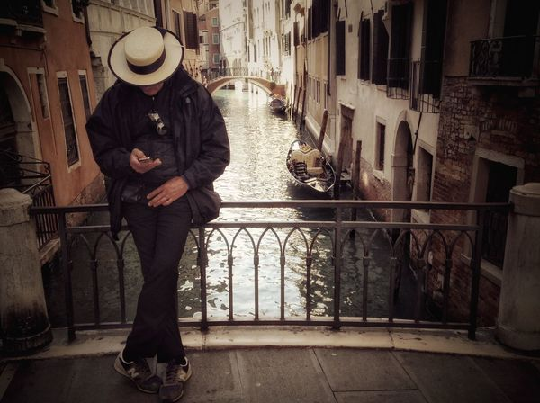 Feel The Journey Venice Status Status Update Surfing Internet Addiction People And Places Snap A Stranger