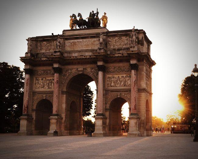Arch Triumphal Arch History Travel Destinations Architecture Tourism Monument Gate Outdoors Travel Low Angle View Built Structure Sculpture City Day Relict Of The Past Sunset Paris Paris