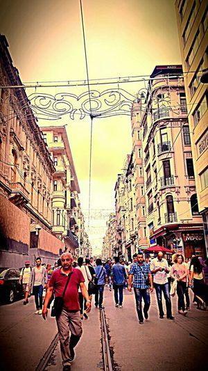 Bazı Insanların Gokyuzu Icinde Saklıdır Hello World Enjoying Life Istanbul Turkey Istanbulove Istiklal Caddesi