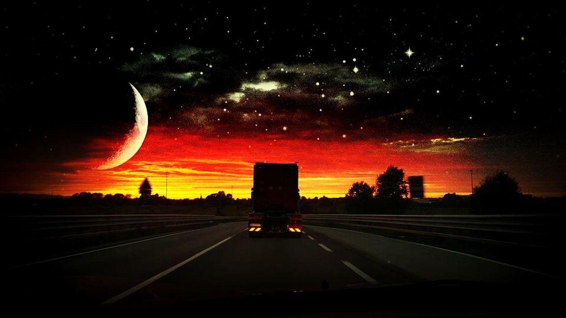Viaggio senza meta Road Sky Transportation Night Space Sunset Galaxy Car Nature Scenics Viaggio Meta Versolinfinitoeoltre Luna No People Beauty In Nature Astronomy Stelle  Interstellar Galaxy Camion Road
