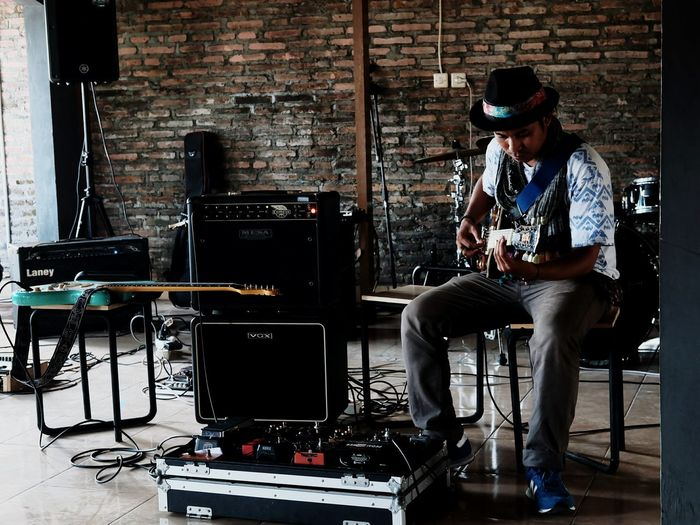 Music One Man Only One Person Musical Instrument Musician Electric Guitar Guitar Progo Jogja EyeEmNewHere The Week Of Eyeem