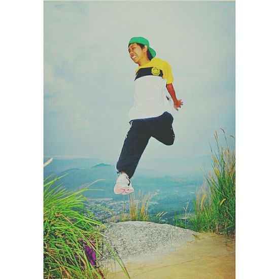Flying on the Broga Hill!!! 2012 Climbing Hill Happymoments throwback