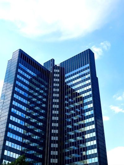Blue Building Buildings & Sky Buildings Architecture Building Exterior Building Deutschland Germany Dortmund❤ Dortmund Architecture Architectural Design Sky Built Structure Architecture Building Exterior Low Angle View Building City Office Building Exterior Cloud - Sky Day Office Tall - High No People Modern Outdoors Skyscraper Blue Glass - Material Tower