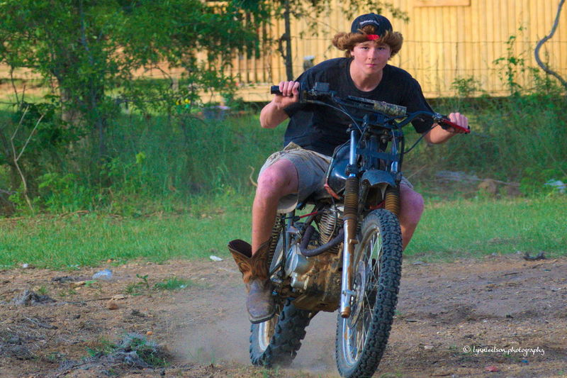 Dirt bike racing southern style! Some of my neighbours having some fun on this Saturday afternoon. Now a days I fix them, they ride them. Oh the days past. Alabama Outdoors Day Dirtbike Having Fun Honda Motorcycle Outdoors Racing