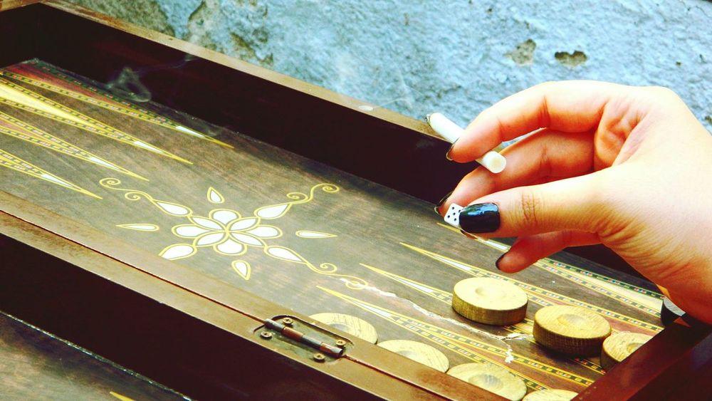 Aklını alırım 😏 Backgammon Dice Game Sunnyday Black Nailpolish Taksim Lejardin