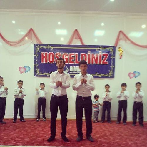 Bimder 'in yarışması öncesi Yaz Kuran kursu öğrencilerimiz ilahilerle costuruyor.