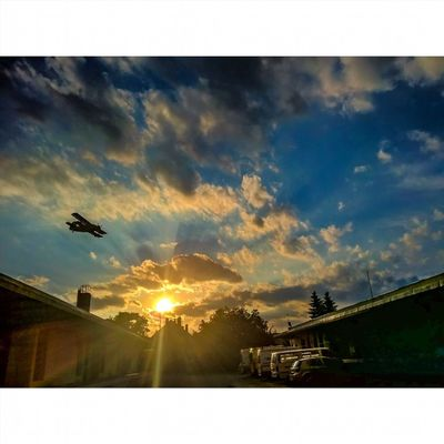 Last night at the Paramedic Station :) Ig_worldclub Rsa_sky Sunset Sunsetporn Sunsetmadness Instagrammers IGDaily Kalocsa Kalocsa Sunset_stream Lumia930 Tgif_sunset WeLoveLumia Lumiaphotography Lumia HDR Hdr_lovers WindowsPhonePhotography Kalocsahungary Aeoroplane Flight Viewmysunset