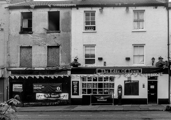 The Bird in Hand (now the Edge of Town), Sheep Street, Northampton Architecture Northampton Northampton Pubs Black And White