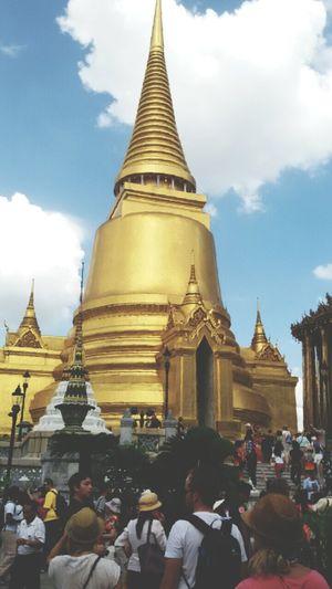 Hello World Amazing Architecture Taking Photos Bangkok, Thailand. .
