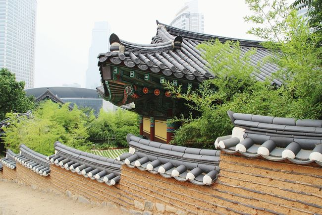 At Bongeunsa in Seoul, South Korea Korea Seoul South Korea Bongeunsa Temple Tempel Architecture City Traditional Building Building Exterior Day No People Outdoors Tiled Roof  Civilization Roof Tile Rooftop