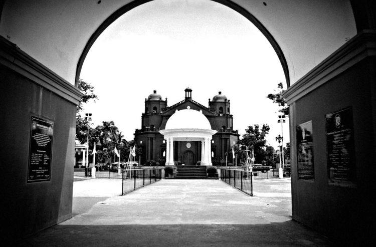 Naga Cathedral Philippines Street Photography Analogue Photography Streetphotography © Bong Astrologo