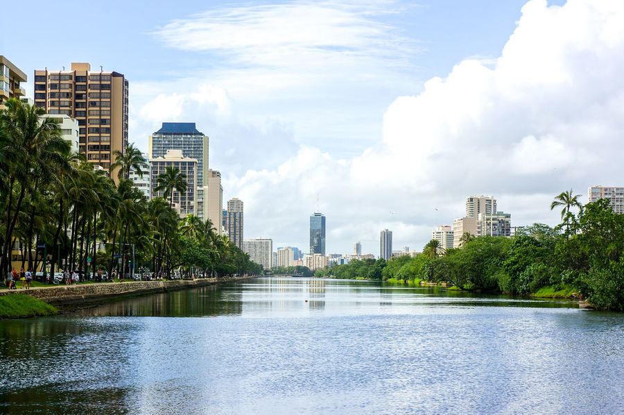 hwaiian life Building Exterior Calm City Life Cityscape Destination Human Settlement Lake Lakeshore Mid Distance Outdoors Reflection Residential District River Riverbank Sky Standing Water Tree Voyage Water Waterfront