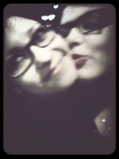 Love Kiss Best Friends.? No.! Sisters <3 A Night Out