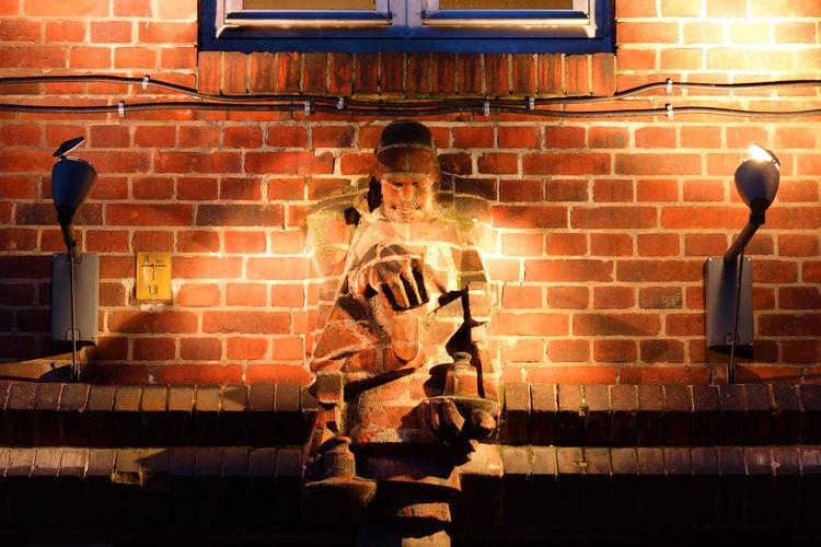 Brickman Night Berlin City Light Façade Germany Wall Brick Illuminated Sculpture Dark Europe Creativity Brick Wall No People DE276_BERLIN_AK DE276_GERMANY_AK