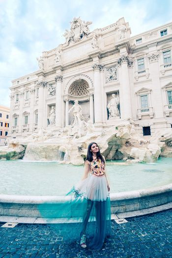 Rome Italy Rome Italy🇮🇹 Italy Fashionblogger Modelgirl Model Pose Fashion Photography Fashionable Fashion Model Portraitmood Portrait Fashion&love&beauty Portrait Of A Woman Architecture Built Structure Real People Lifestyles One Person Building Exterior Water The Portraitist - 2018 EyeEm Awards The Fashion Photographer - 2018 EyeEm Awards