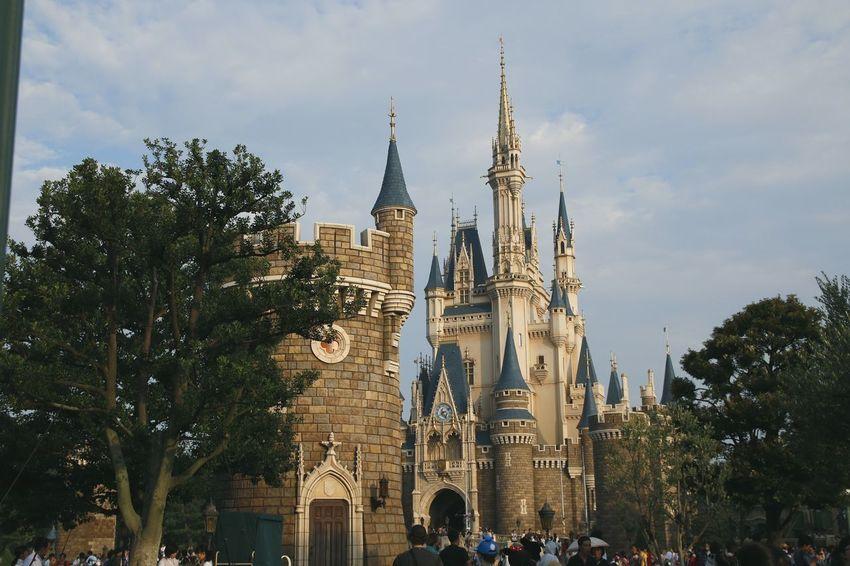 Tokyo Disney Land 東京ディズニーランド (tokyo Disneyland) 東京ディズニーランド 東京ディズニーランドホテル Disneyland Disneyland Tokyo Disneyland Tokyo Resort Disneyland<3 Disneyland Castle Disneytokyo Japan DisneyCastle Disneytokyo Tokyo Disneyland City Tree Clock Sky
