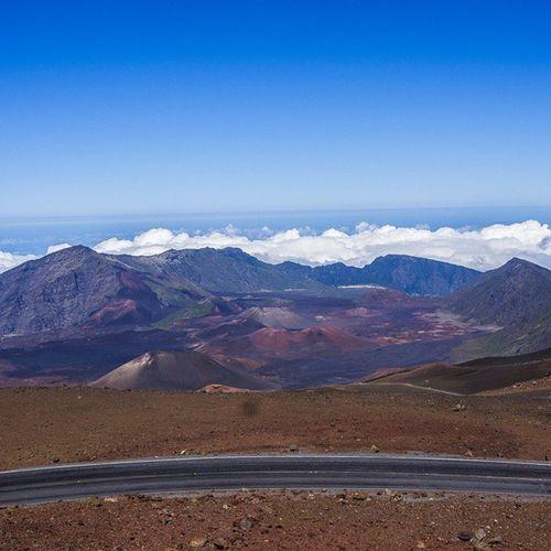 인천공항만가면 여행가고싶다.. 하와이가 그리워지다니... 아... 상암도지겹다 시간을 달라 시간을 여행가고싶다 시간을달라 여행사진찍고싶은사진기자 하와이 Hawaii Haleakala