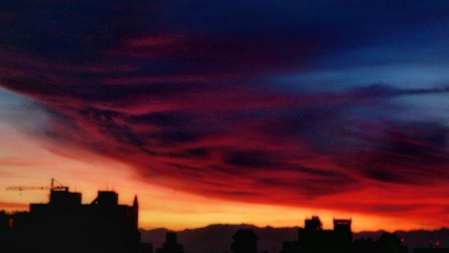 05:11 夜未央. Sky