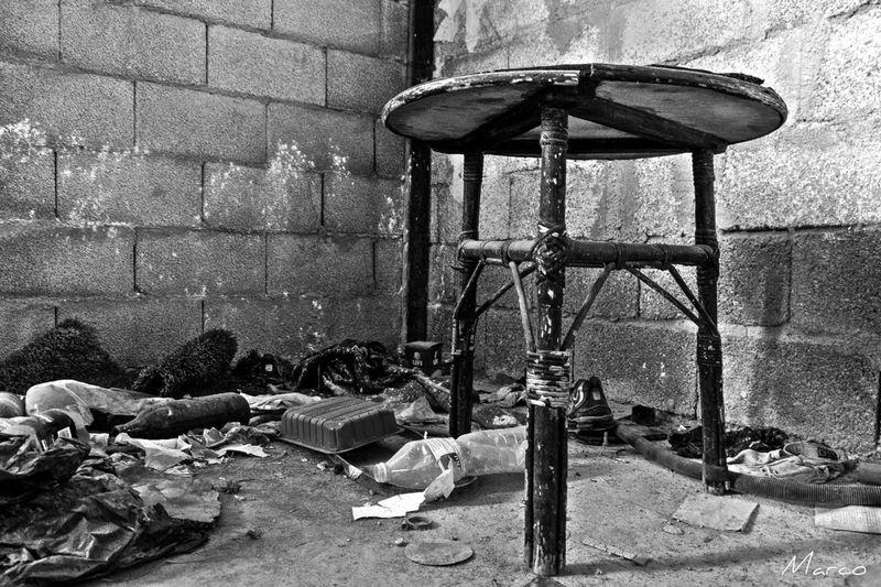 Brick Corner Table Table Old Blackandwhite Trash Debris Old House HDR Picsartrefugees Hdrphotography Blac&white  Blanco Y Negro
