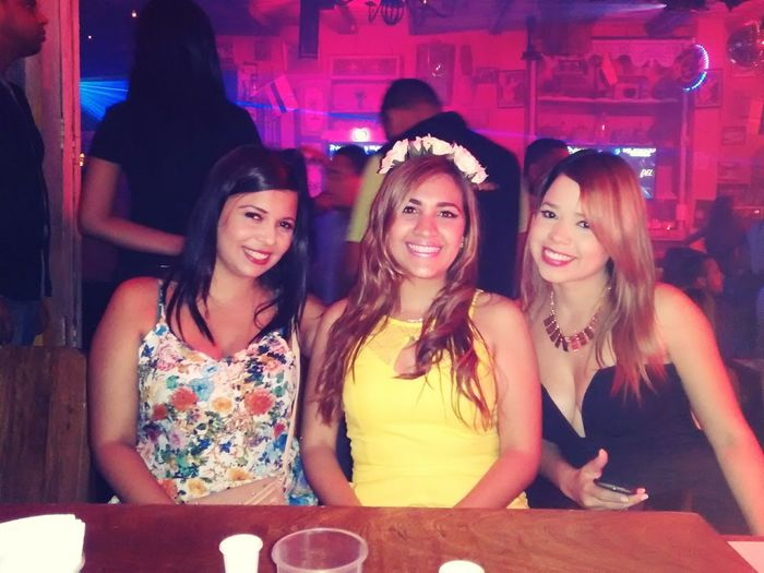 The ladies!! Dancing Thats Me ♥ Friends Enjoying Life Today's Hot Look SWAG ♥ Hanging Out Partying Hard Amarillo Cartagena, Colombia