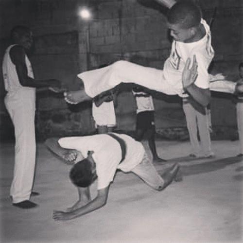 Paranauê paranauê parana. Capoeira QuintaldaCapoeira Abadá