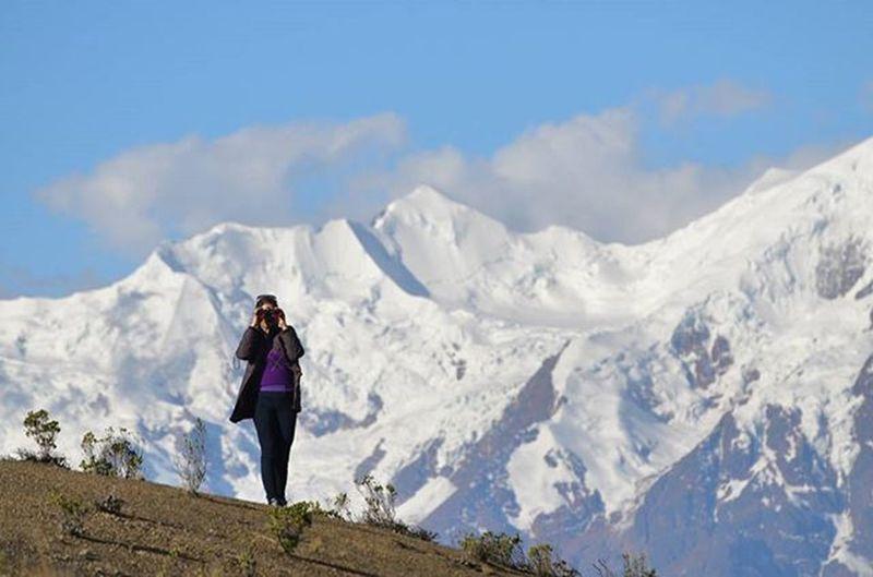 I see you Mountains Bolivia Lapaz Bolivia Landscape ThisisBolivia Naturelovers Trip Illimani Snowy Snowymountains Binoculars Cordillera Cordillerareal Naturallandscape