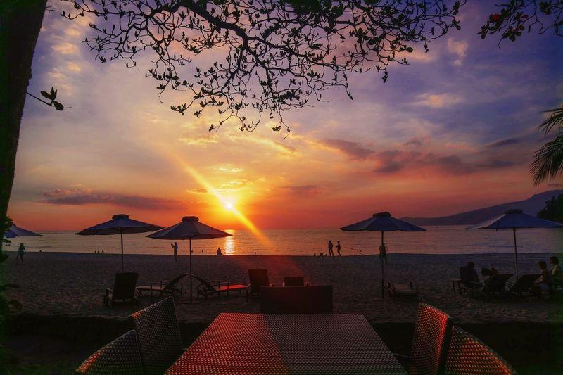 Beach Sunset at Anvaya Cove Canonphotography Vitamin Sea Love Beachvibes BeachVibes🌴 Instagood Bataan Philippines Anvayacove Beachphotography Beauty In Nature Beach Sunset Horizon Over Water Beauty In Nature Tranquil Scene Water Sea