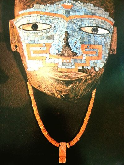 Mascara Azteca atribuida a Quetzalcoatl Mexico
