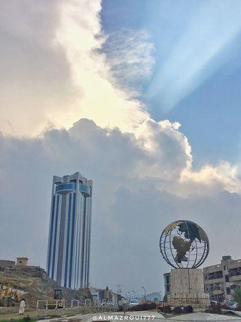 يستاهل الطائف الريحان  و غيوم هتان ورديه الورد والفل والرمان  والخوخ بيدين حوريه Taif Sky EyeEmNewHere Looking At Camera Eyeem Photography EyeEm تصويري  المزروعي Saudi Arabia Tag الطائف IPhon6 السعودية  Tower EyeEmBestPics Almazroui