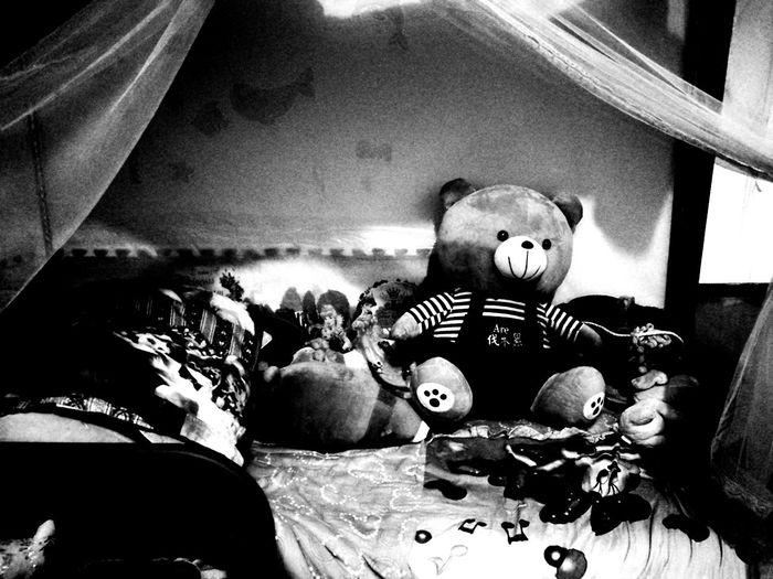 Kids .... Teddy Bear Stuffed Toy No People Jaidamareerocks HuaweiP9 Phone Photography Family❤ Blackandwhite