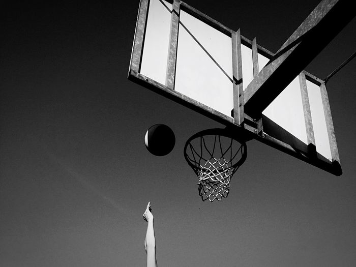 Goal basketball Centro Black And White Blackandwhite First The Best Vincere Migliore Win Play Pallacanestro Concentration Basket Ball Conceptual Goal Playing Victory Basketball First The Best Low Angle View Basketball - Sport Basketball Hoop Sport Architecture No People Day Net - Sports Equipment Outdoors