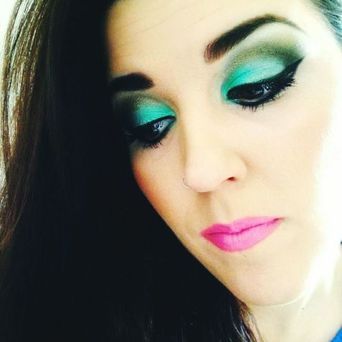 That's Me Makeup Eyeshadows Makeupartist Makeupwork Colours Green Check This Out Makeupcollection