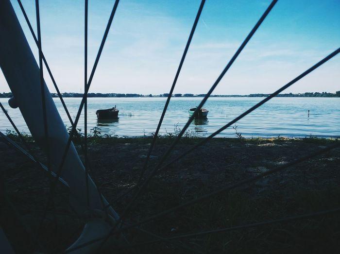 Between spokes Lake Bike