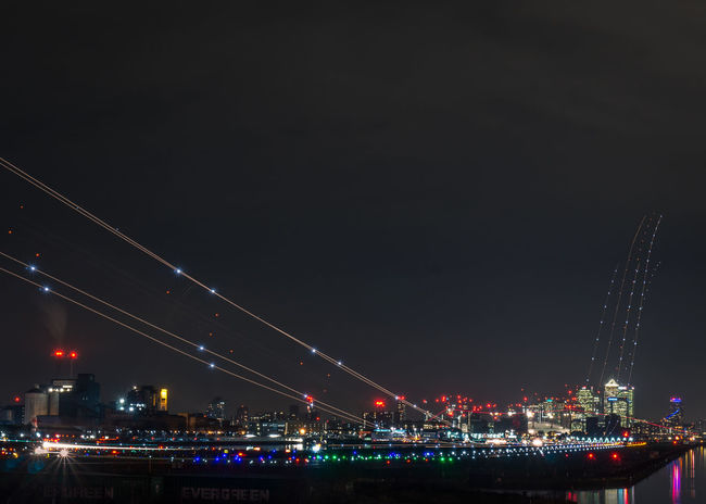 Light Trails from Planes Landing and Taking off at London CIty Airport Canary Wharf City LONDON❤ Light Trails London London City Airport Airport Cityscape England London_only Londonlife Night Planes Tourism