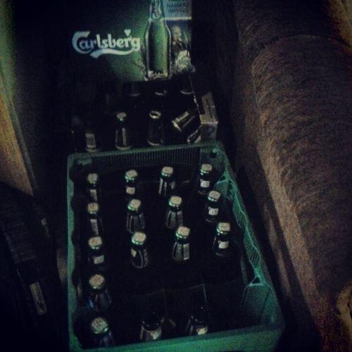 Taka Czrwcówka Balety Z kumplami domek przyjezierze poland party chill beer piwko lech carlsberg kraty wjechały a już braknie :D